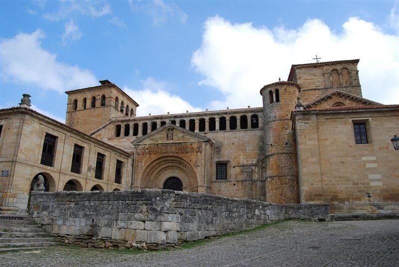 Carta abierta a la oficina de turismo de santillana for Oficina postal mas cercana